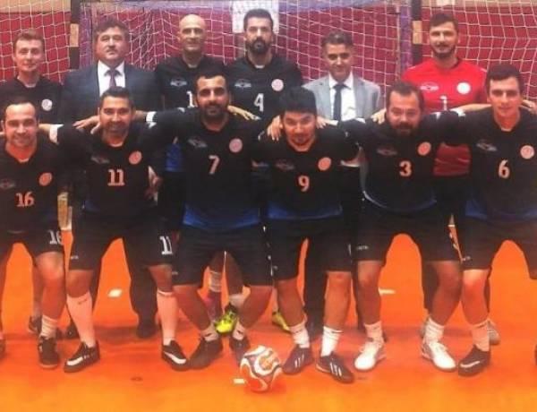 Vezirköprü Futsal Takımı Başarıya Doymuyor