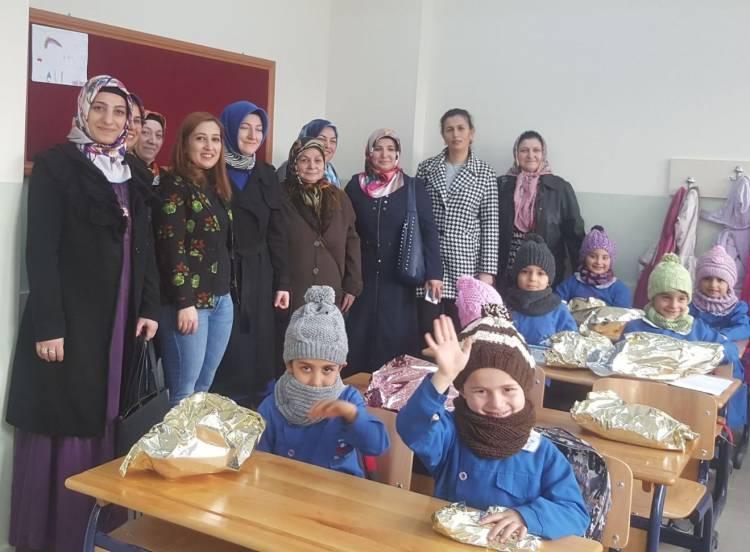 Vezirköprü Halk Eğitim Merkezi Çocukları Sevindirdi