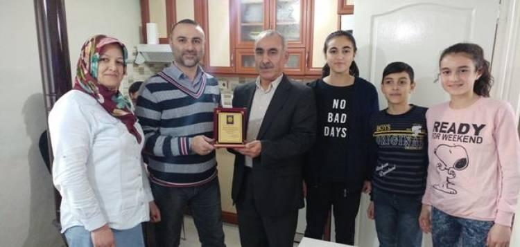 """FazılAhmet Paşa Ortaokulu'ndan """"Öğretmenim Evimde"""" Projesi"""